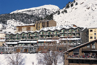 Oferta Viaje Hotel Escapada Piolets + Entradas Nocturna Wellness Inuu + Cena