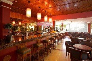 Oferta Viaje Hotel Escapada Seramar Sunna Park + Entradas a Katmandú Park
