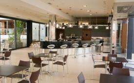 Oferta Viaje Hotel Escapada Conilsol Hotel y Capaces + Surf en El Palmar dos hora / día
