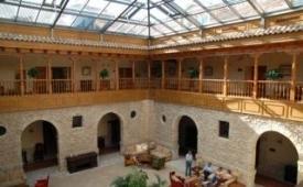 Oferta Viaje Hotel Escapada Convento las Claras + Entradas al Castillo de Peñafiel y Museo del Vino