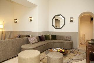 Oferta Viaje Hotel Escapada Balcón de Cordoba + Visita Patios habituales Cordobeses