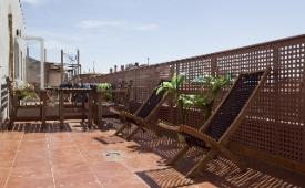 Oferta Viaje Hotel Escapada Apartotel Numancia + Entradas dos días sucesivos Warner con 1 día Warner Beach