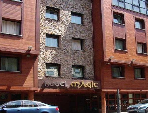 Oferta Viaje Hotel Escapada Magic La Massana + Entradas Parque animales