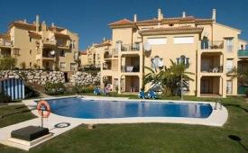 Oferta Viaje Hotel Escapada Atalayas de Riviera Pisos + Entradas General Selwo Aventura Estepona