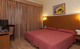 Oferta Viaje Hotel Escapada Avenida Benidorm + Entradas Terra Mítica dos días