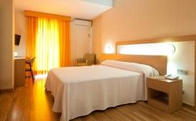 Oferta Viaje Hotel Escapada Benidorm Plaza + Entradas Terra Mítica dos días