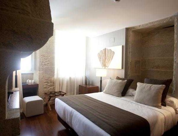Oferta Viaje Hotel Escapada Carris Casa de la Troya + Visita con Audioguía por S. de Compostela