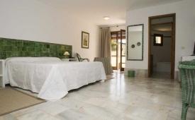 Oferta Viaje Hotel Escapada Cortijo el Sotillo + Entradas a Parque Oasys Mini Hollywood