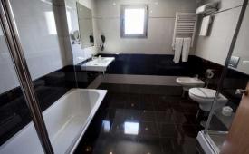 Oferta Viaje Hotel Allon Mediterrania + Entradas Terra Mítica 2 días