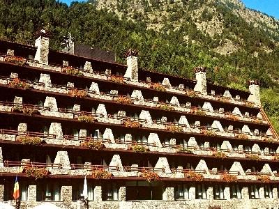 Oferta Viaje Hotel Escapada Husa Patagonia + Entradas Inuu todo el día