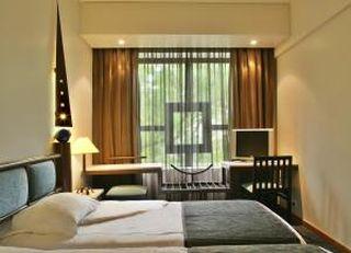 Oferta Viaje Hotel Escapada Hotel Sana Executive + Espectáculo Fado