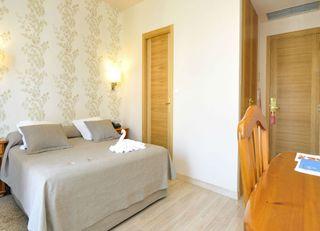 Oferta Viaje Hotel Escapada Spa Norat O bien Grove + Surf La Lanzada  dos hora / día