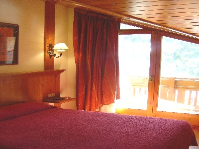 Oferta Viaje Hotel Escapada Xalet Montana + Entradas Inuu todo el día