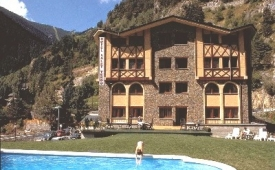 Oferta Viaje Hotel Escapada Xalet Verdu + Forfait  Vallnord