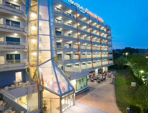 Oferta Viaje Hotel Escapada Medplaya Hotel Piramide Salou + Entradas PortAventura tres días