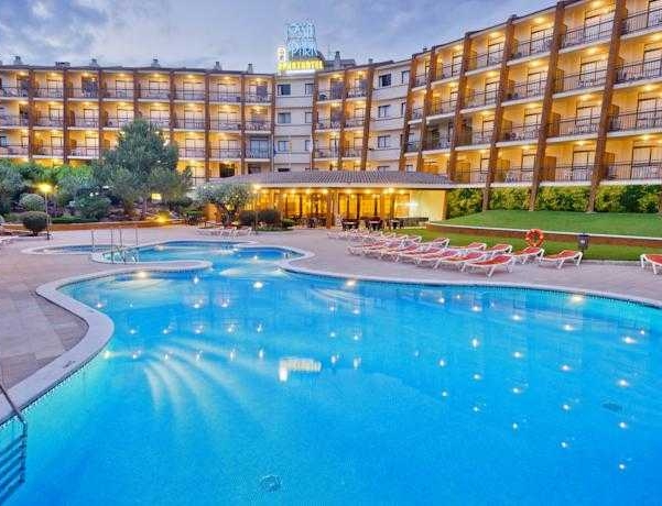 Oferta Viaje Hotel Escapada GHT Aparthotel Tossa Park