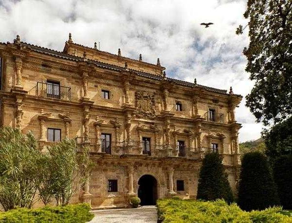 Oferta Viaje Hotel Escapada Abba Palacio de Soñanes + Entradas 1 día Parque de Cabárceno