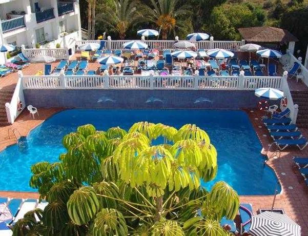 Oferta Viaje Hotel Escapada Crown Complejos turísticos + Entradas General Selwo Marina Delfinarium Benalmádena