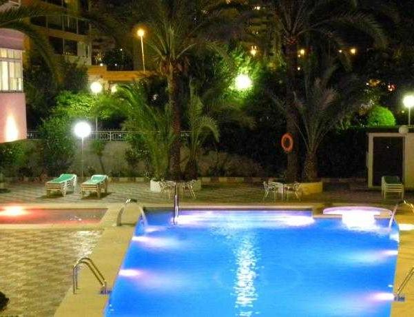 Oferta Viaje Hotel Escapada Joya + Entradas Terra Mítica 1 día