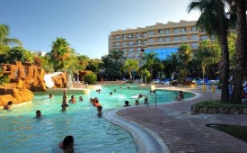 Oferta Viaje Hotel Escapada Zapas Pineda + Entradas PortAventura tres días dos parques