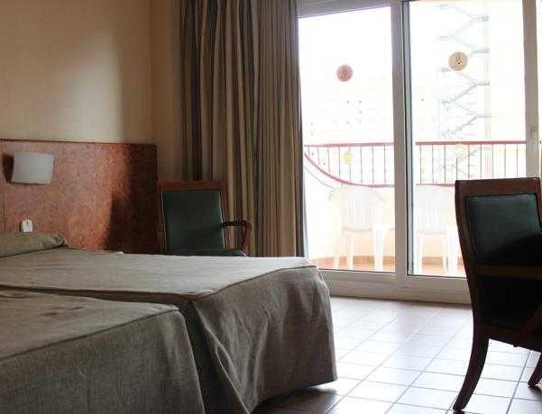 Oferta Viaje Hotel Escapada Rosamar + Entradas Terra Mítica dos días