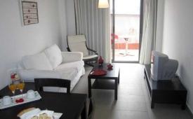 Oferta Viaje Hotel Escapada Vega de Triana + Entradas Isla Mágica 1 día