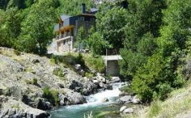 "Oferta Viaje Hotel Escapada Turpi + Rafting Esera - Tramo familiar ""La Silla"""
