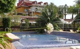 Oferta Viaje Hotel Escapada Villa Marisol + Entradas Terra Mítica dos días