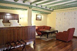 Oferta Viaje Hotel Escapada Casas De La Juderia + Entradas Isla Mágica + Aqua Mágica 1 día