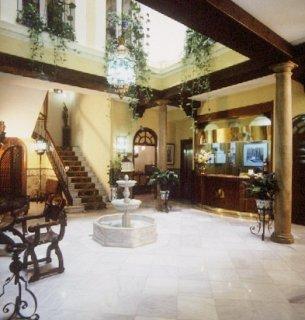 Oferta Viaje Hotel Escapada Reina Cristina + Visita Alhambra con guía
