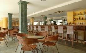 Oferta Viaje Hotel Escapada Barcelo Pueblo Park Hotel + Entradas a Katmandú Park