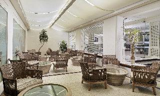 Oferta Viaje Hotel Escapada H10 Andalucia Plaza + Entradas General Selwo Marina Delfinarium Benalmádena