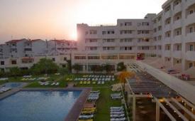 Oferta Viaje Hotel Escapada Albufeira Sol Hotel & Spa + Entradas Zoomarine Parque temático dos días