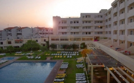 Oferta Viaje Hotel Escapada Albufeira Sol Hotel & Spa + Entradas Zoomarine Parque temático 1 día