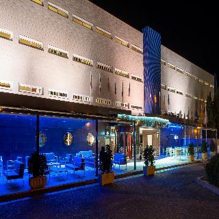 Oferta Viaje Hotel Escapada Marina Portals km diez + Entradas a Naturaleza Parc