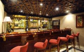 Oferta Viaje Hotel Escapada Becquer + Visita Guiada por Sevilla + Crucero Guadalquivir