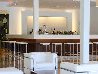 Oferta Viaje Hotel Escapada Las Gaviotas Suite Hotel + Visita a Bodega Celler Ramanya