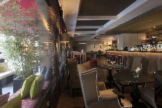 Oferta Viaje Hotel Melia Castilla + Entradas 2 días consecutivos Warner