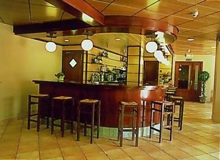 Oferta Viaje Hotel Escapada Niunit Hotel Ordino + Entradas General dos Horas + Menu Almuerzo