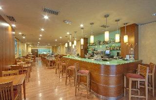 Oferta Viaje Hotel Escapada TRYP Palma Hotel + Entradas a Katmandú Park