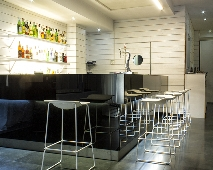 Oferta Viaje Hotel Zenit Conde De Orgaz + Entradas 2 días consecutivos Warner con 1 día Warner Beach