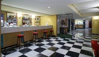 Oferta Viaje Hotel Escapada Monte Carmelo + Entradas Isla Mágica 1 día
