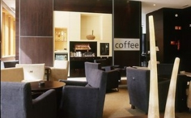 Oferta Viaje Hotel AC Hotel Valencia by Marriott + Entradas 1 día Bioparc