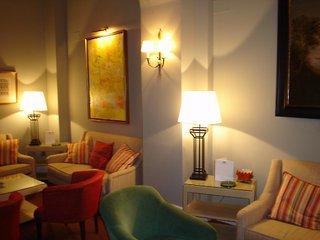 Oferta Viaje Hotel Escapada Casa Romana + Entradas Isla Mágica + Aqua Mágica 1 día