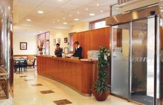 Oferta Viaje Hotel Escapada Civera + Entradas 1 día Dinópolis + Legendark