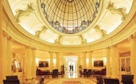 Oferta Viaje Hotel Escapada Carlton + Transporte y Acceso a museos 48h
