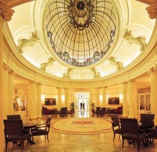 Oferta Viaje Hotel Escapada Carlton + Transporte y Acceso a museos 72h