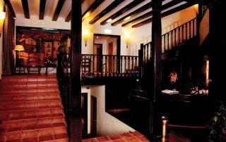 Oferta Viaje Hotel Escapada Albarracin + Entradas 1 día Dinópolis + Otro parque de territorio Dinópolis (salvo Legendark)