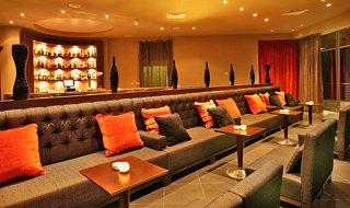 Oferta Viaje Hotel Escapada Blau Porto Petro Beach Complejo turístico & Spa + Entradas a Katmandú Park