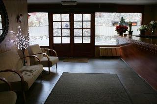 Oferta Viaje Hotel Comapedrosa + Entradas General 2 Horas + Menu Almuerzo